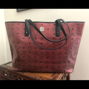 MCM large metallic red visetos tote